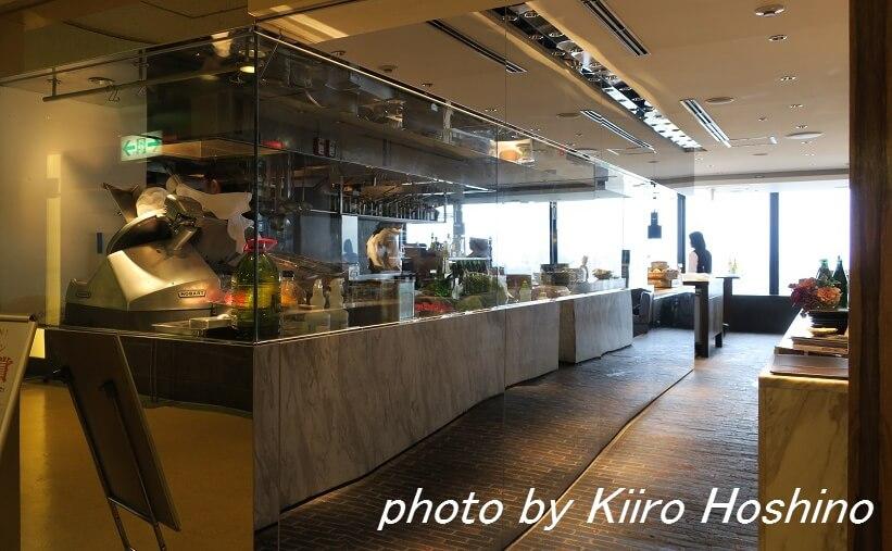 ザキッチンサルヴァトーレ京都、オープンキッチン