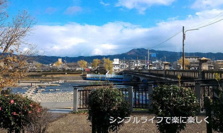 京都・ボンボンカフェ、席から見た鴨川