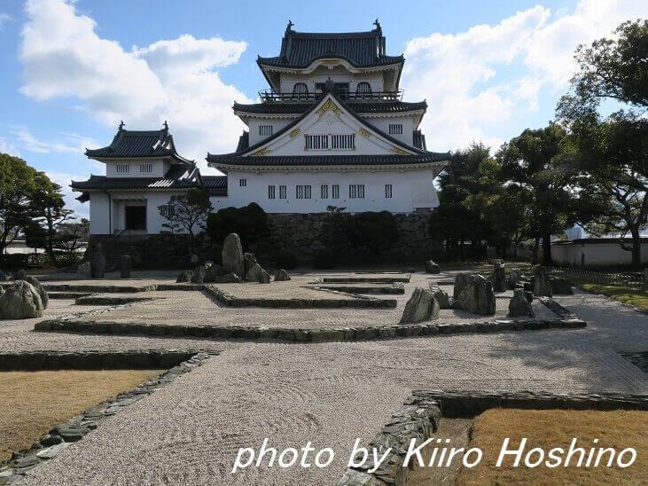 岸和田城、天守閣と庭