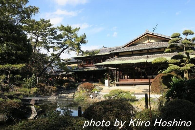 がんこ岸和田五風荘、池越し邸宅
