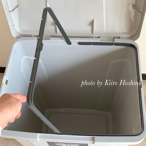 屋外用ゴミ箱、袋どめ