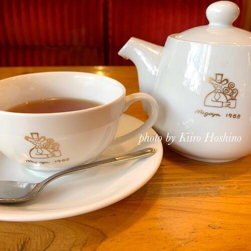 コメダ和紅茶、ポットとカップ